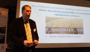 Maanviljelijä Markus Eerola kertoi ILMASE-hankkeen loppuseminaarissa 2014, miten ilmastokysymyksillä on merkitystä viljelijöiden arkeen.